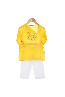 Yellow Embroidered Kurta Set by Mi Dulce An'ya