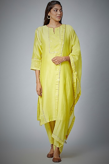 Yellow Embroidered Kurta Set by Meghna Panchmatia