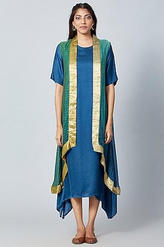 Turquoise Asymmetric Kurta With Cape by Meghna Panchmatia