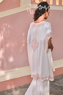 Ivory Checkered & Embroiered Cape Set by Mishru