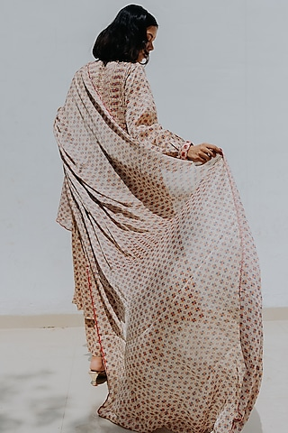 Ivory Embroidered Kurta Set by Mimamsaa