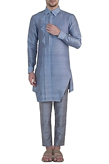 Mauve embroidered kurta by Mitesh Lodha