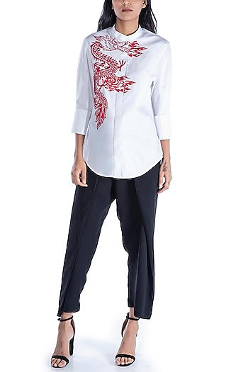 White Dragon Applique Shirt by Monisha Jaising X Shweta Bachchan Nanda