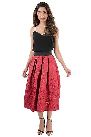 Red Metallic Skirt With Black Waistband by Monisha Jaising X Shweta Bachchan Nanda