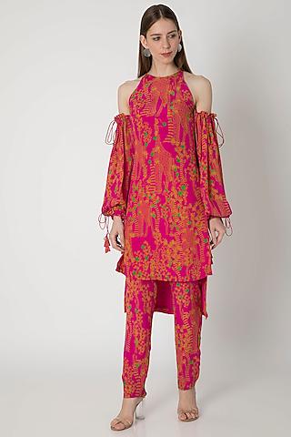 Pink Digital Printed Tunic Set With Bag by Masaba