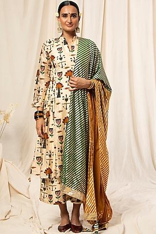 Ivory & Green Rajasthani Kurta Set With Printed Dupatta by Masaba