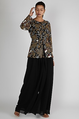 Black Embroidered Jacket Set by Premya By Manishii