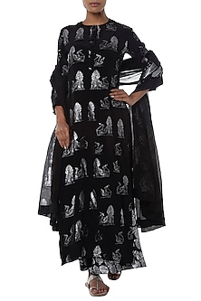 Black printed kurta set by Masaba