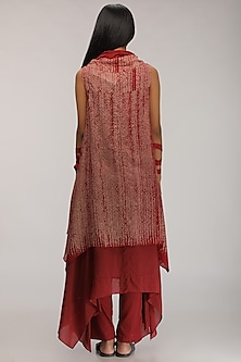Burgundy Layered Kurta Dress With Embroidery by Myoho