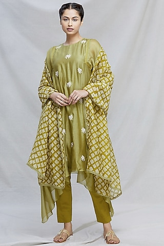 Mehendi Green Embroidered Kurta With Dupatta by Myoho