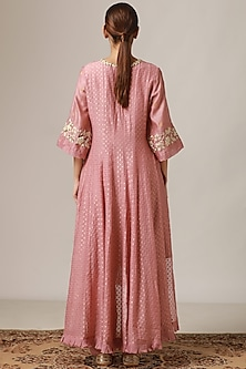 Vintage Pink Embroidered Kurta Set by Myoho
