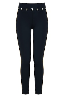 Black leggings pant by Myriad