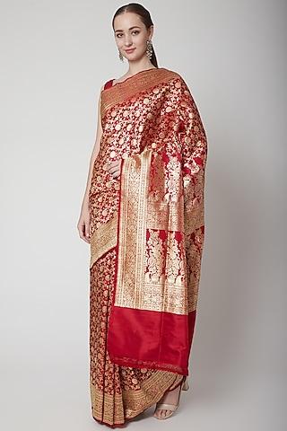 Red Silk Saree Set by NARMADESHWARI