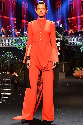 Red Jacket With Kurta & Straight Fit Pants by Shantanu & Nikhil