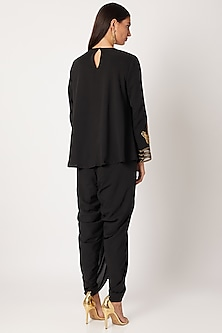 Black Embroidered Short Kurta With Pants by Neeta Lulla