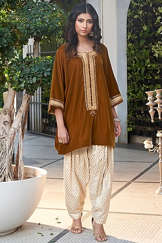 Copper & Ivory Embroidered Kurta Set by Ranian