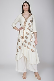 Ivory Embroidered Angrakha Kurta With Pants & Belt by Neha & Tarun