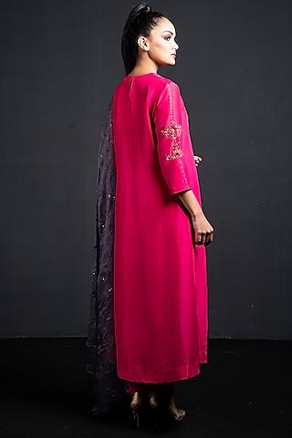 Pink Embroidered Kurta Set by Neha & Tarun
