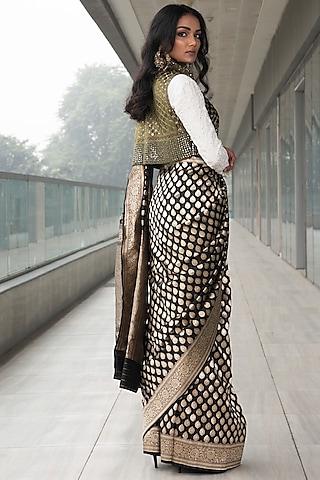 Black & White Embroidered Saree Set by Neha & Tarun