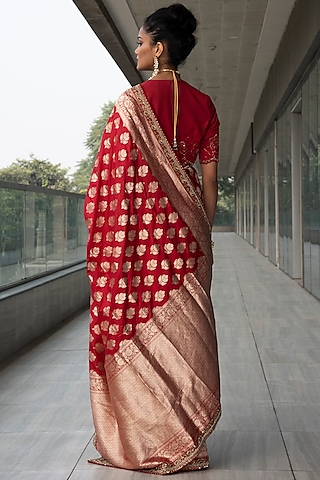 Red Embroidered Saree Set by Neha & Tarun