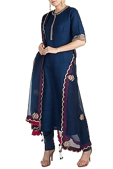 Blue Embroidered Kurta Set by Nidhi Agarwal