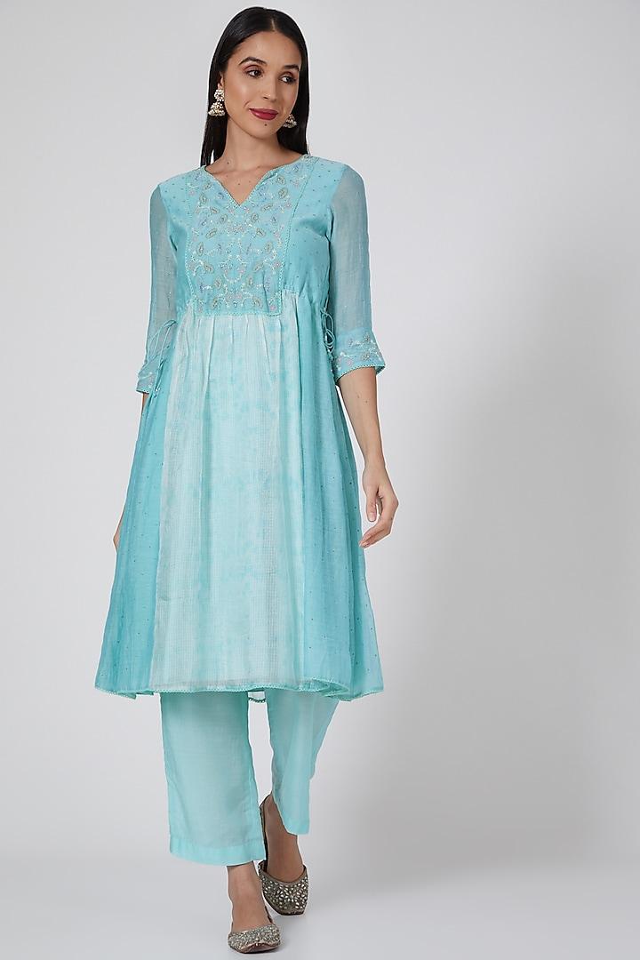 Turquoise Blue & Ivory Tie-Dye Kurta Set by Label Nimbus