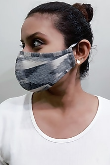 Grey 3 Ply Ikat Printed Mask With Pouch by Nikita Mhaisalkar
