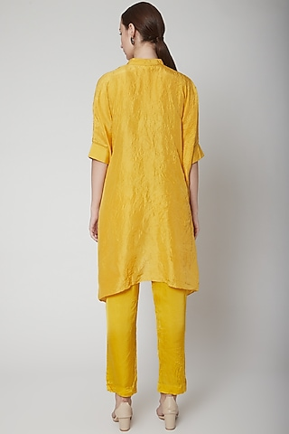 Mustard Embroidered Kurta With Pants by Nineteen89 by Divya Bagri
