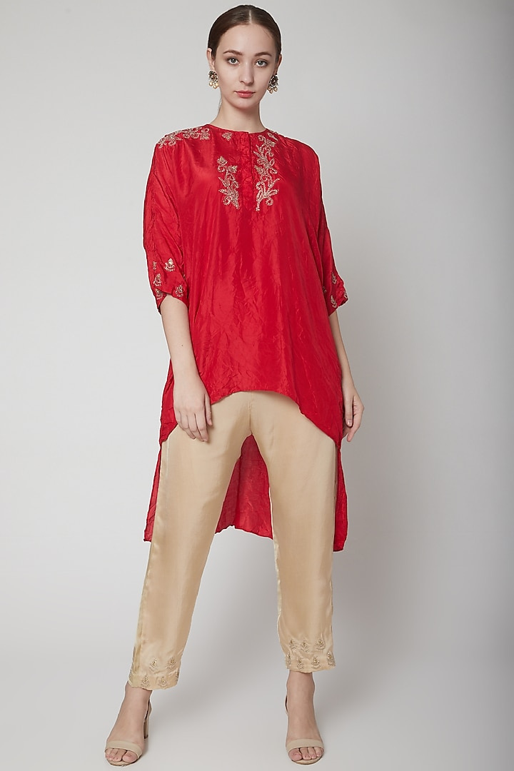 Red Embroidered Kurta With Beige Pants by Nineteen89 by Divya Bagri