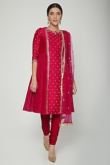 Fuchsia Pink Embroidered Kurta Set by NITISHA