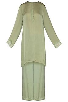 Olive green embroidered kurta set by Nineteen89 by Divya Bagri