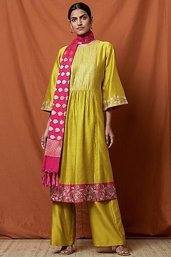 Chartreuse Green Embellished Kurta Set by Namrata Joshipura