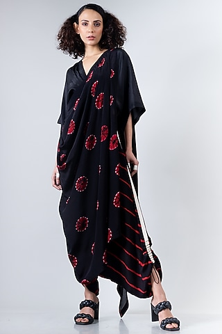 Black & Red Shibori Dhoti Pant Saree Set by Nupur Kanoi