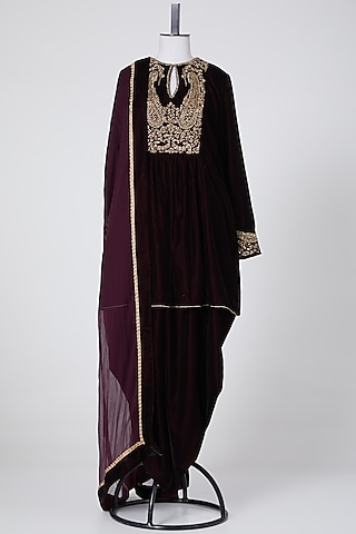 Maroon Embroidered Kurta Set by NITIKA GUJRAL