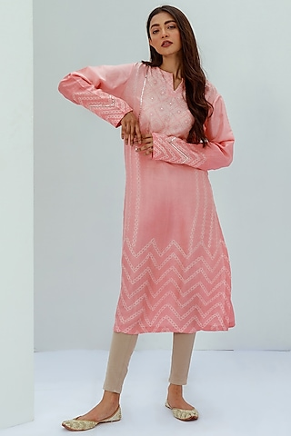 Tomato Red Embroidered Tie-Dye Kurta by Nesolo