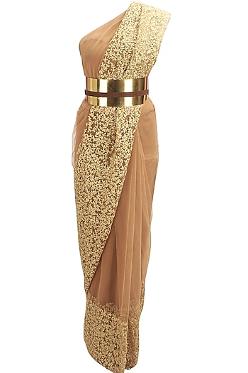 Nude and gold floral thread embroidered saree and unstitched blouse set with metal belt by Nikhil Thampi