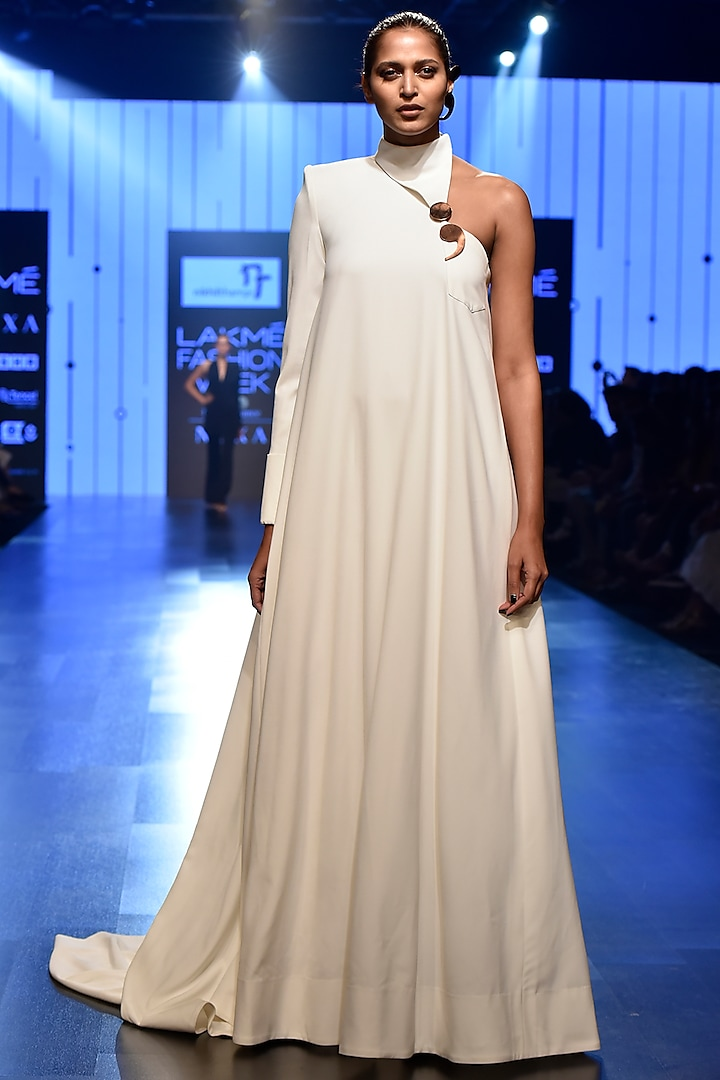 White Flap Collared Trapeze Gown by Nikhil Thampi