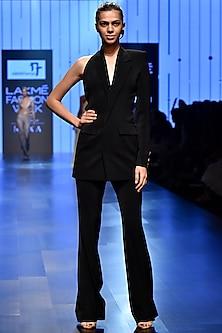 Black Circular Back Cut Out Blazer Set by Nikhil Thampi