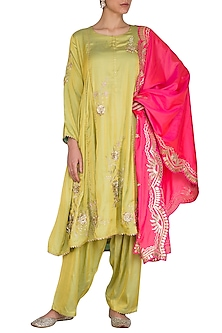 Green Kalidaar Kurta Set by Nysa & Shubhangi