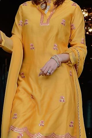 Yellow Embroidered Kurta Set by Ose by Jyoti Gupta