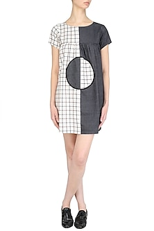 Grey Back Button Dress by Olio