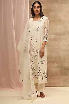 Ivory Embroidered Kurta With Dupatta by Vaayu