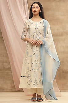 Ivory Embroidered Kurta With Ombre Dupatta by Vaayu