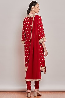 Red Hand Embroidered Kurta Set by Patine