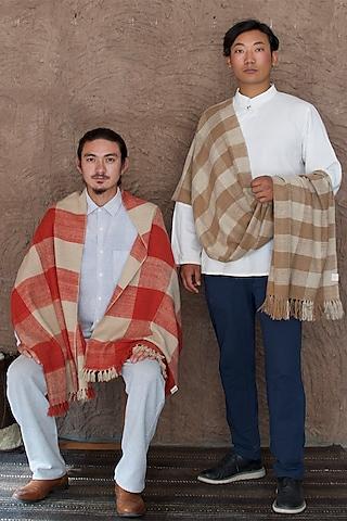Beige & Madder Red Dyed Pashmina Scarf by Lena Ladakh Pashmina