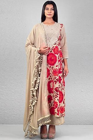 Beige Floral Embroidered Kurta Set by Purvi Doshi
