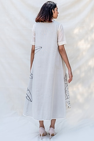 Off White Embroidered Dress With Side Slit by Purvi Doshi