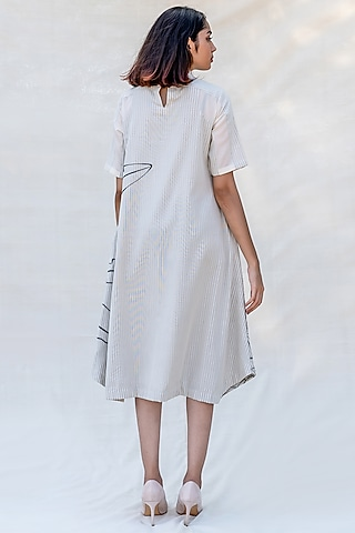 Off White Embroidered Dress With High Neck by Purvi Doshi