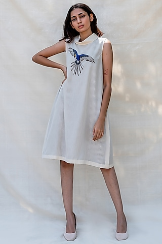 Off White Embroidered Dress With Turtle Neck by Purvi Doshi