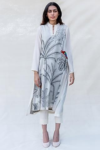 Off White Embroidered A-Line Kurta Set by Purvi Doshi